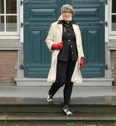 op straat in Hoorn: Ruth