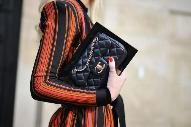 designer-vintage-sale-23-april-1570