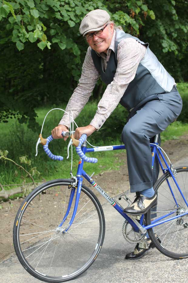 Rob is van alle markten thuis, hij houdt zich nu vooral bezig met handel in racefietsen.