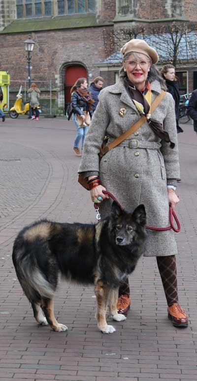 straatfotografie met hond