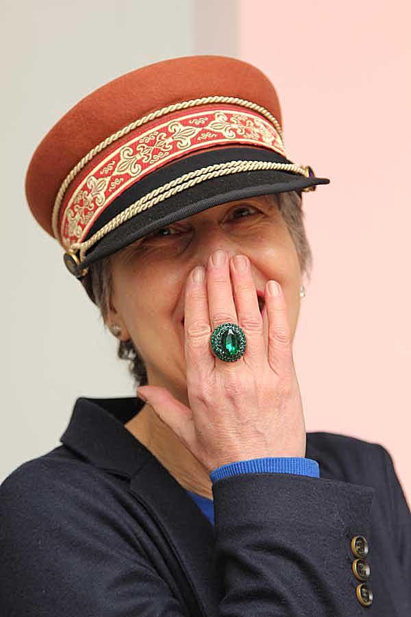 Met een hoed op maak je makkelijk contact….