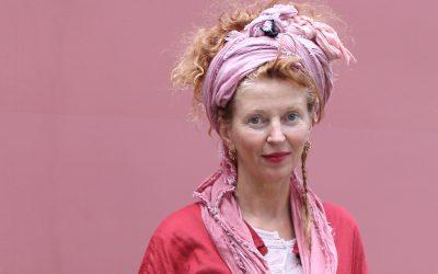 Een shawl om je hoofd: Wills laat zien hoe je dat doet
