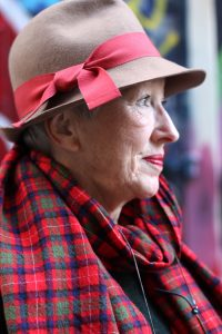 Dame met hoed: Laura van Gelder