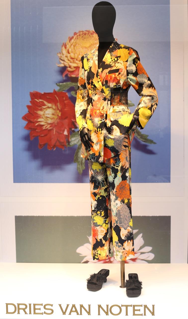 Stockverkopen Antwerpen: stoffen en kleding van Dries van Noten