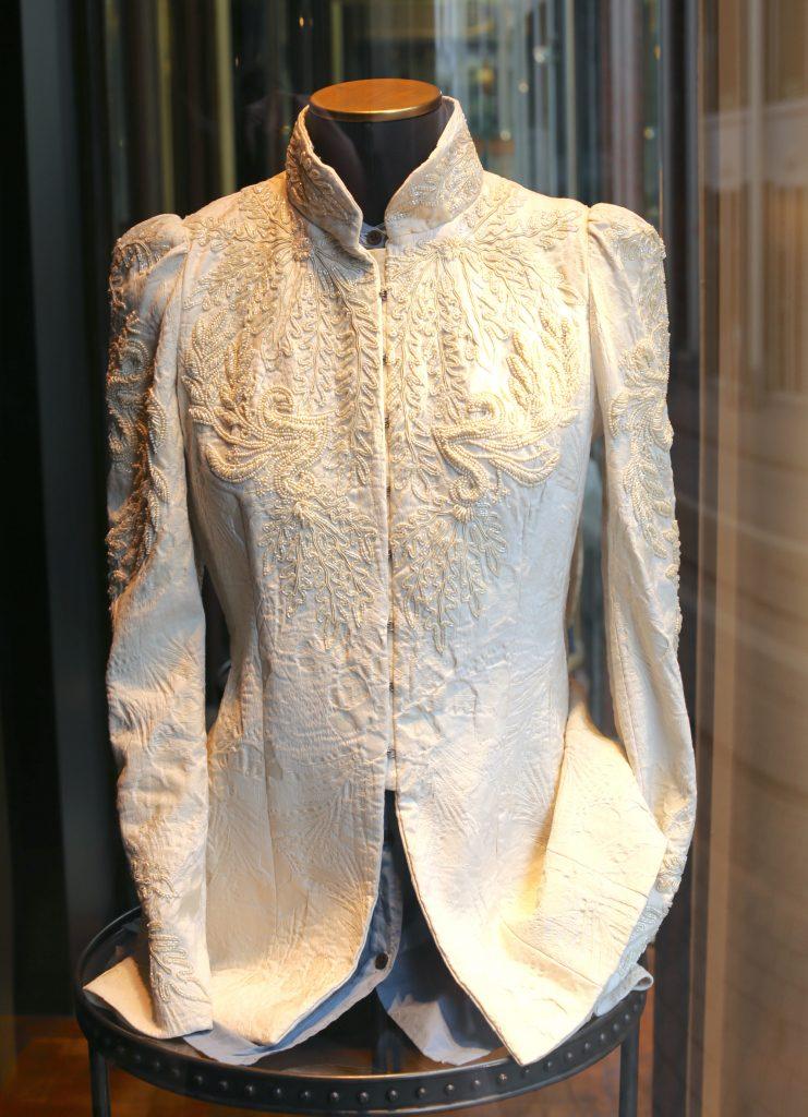 Stockverkopen Antwerpen: verkoop stoffen en kleding Dries van Noten