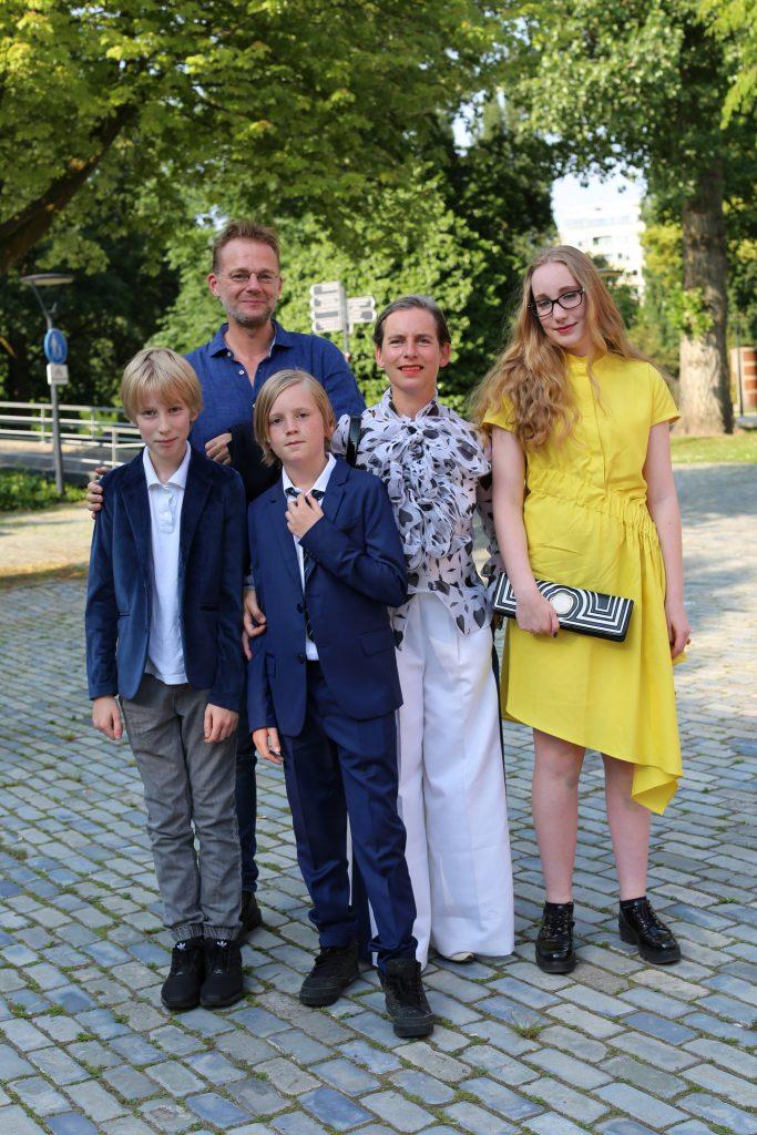 Foto's bezoekers opening expo Viktor&Rolf in de Kunsthal