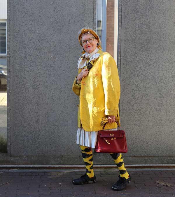 Kleurrijk op straat in Amsterdam en in Zin magazine: Monica