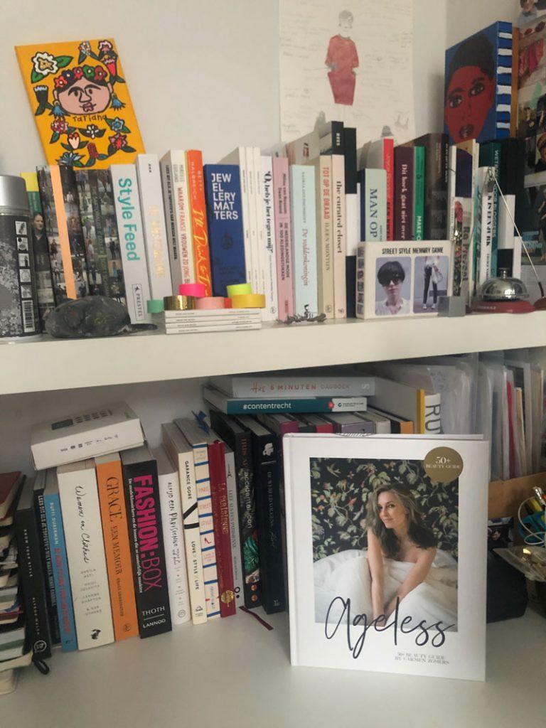 Een boek vol make-up tips van Carmen Zomers: Ageless