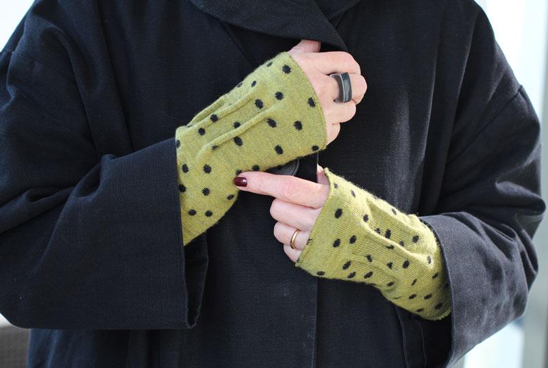 Opvallende handschoenen maken het plaatje compleet